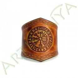 vue de face du Bracelet Ilythiir Vegvisir_couleur marron