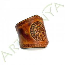 vue de 3/4 du Bracelet Ilythiir Vegvisir_couleur marron