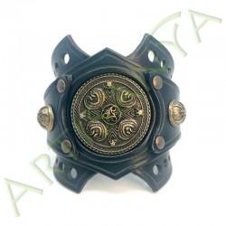 vue de face du Bracelet Ragnar manchette_ Nordique