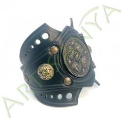 vue de 3/4 du Bracelet Ragnar manchette_ Nordique
