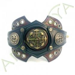 vue ouverte de face du Bracelet Ragnar manchette_ Têtes de mort