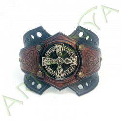vue ouverte de face du Bracelet Ragnar manchette_ Croix Nimbée