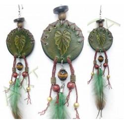 vue d'ensemble de la Boucle d'oreille en cuir_ Wood spirit