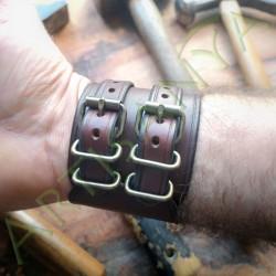 vue des boucles du Bracelet de force en cuir brown-smith
